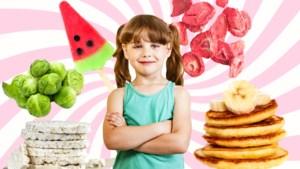 Gevriesdroogde aardbeien en spruitjes-chips: mama's vertellen welke gezonde(re) snacks hun kinderen wél lusten