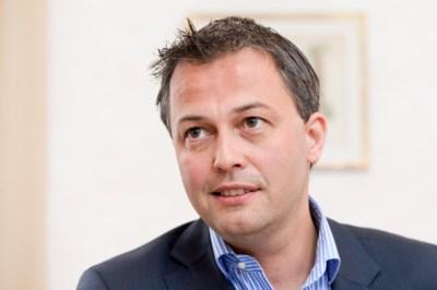 """Van Quickenborne bombardeert Oost-Vlaming tot kandidaat-voorzitter Open VLD: """"Als Egbert Lachaert het niet doet, doe ik het zelf"""""""