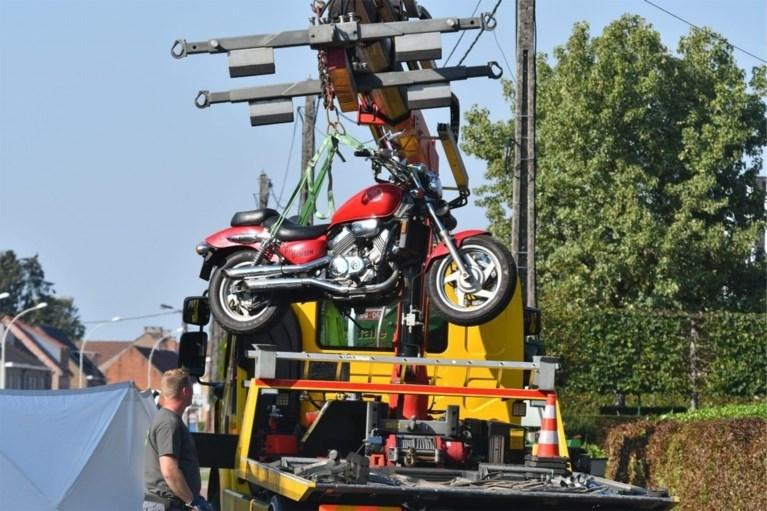 Motorrijder (63) komt om het leven bij verkeerd inhaalmanoeuvre