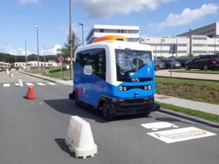 Bus rijdt zonder chauffeur op ziekenhuiscampus VUB
