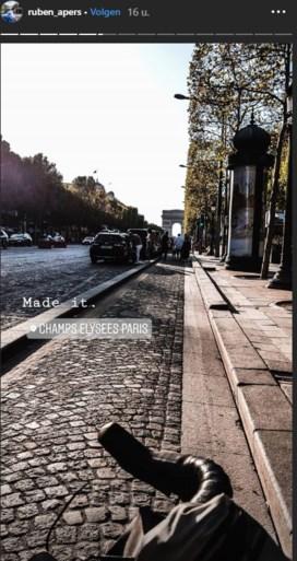 """Boezemvriend van Bjorg Lambrecht voltooit """"geweldige (domme) idee"""" en arriveert op Champs Elysées"""