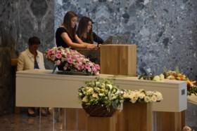 """Meer dan 600 mensen nemen afscheid van 14-jarige Kayleigh: """"Je zei ons zondag nog: 'Tot straks!' Maar ik wacht nog steeds"""""""