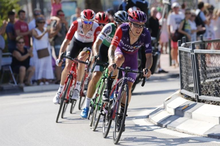 Oorlog van bij de eerste rit in lijn: Nairo Quintana soleert naar ritzege in de Vuelta, Nicolas Roche nieuwe leider