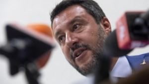 Italië ontzegt Duits reddingsschip met honderd migranten toegang tot haven