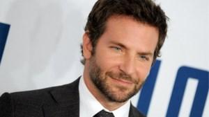Bradley Cooper laat zijn snor staan