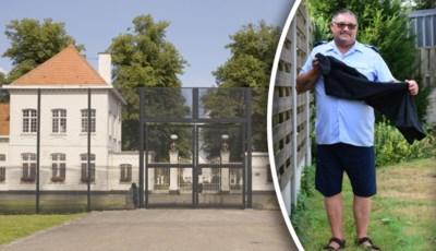 """Cipier naar huis gestuurd omdat hij in korte broek kwam werken: """"Maar ik wacht al 13 jaar op een nieuwe uniformbroek"""""""