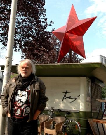 Journalist, columnist en theatermaker Bert Verhoye is overleden