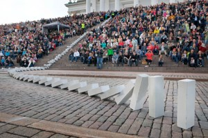7.000 dominostenen duwen Festival van de architectuur in gang