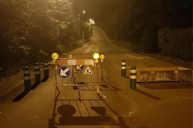 """Hindernissen op de weg in Halle veroorzaken ongevallen: """"Dit is echt levensgevaarlijk"""""""