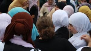 Gavere schrapt hoofddoekenverbod op vier lagere scholen na klacht van Groen
