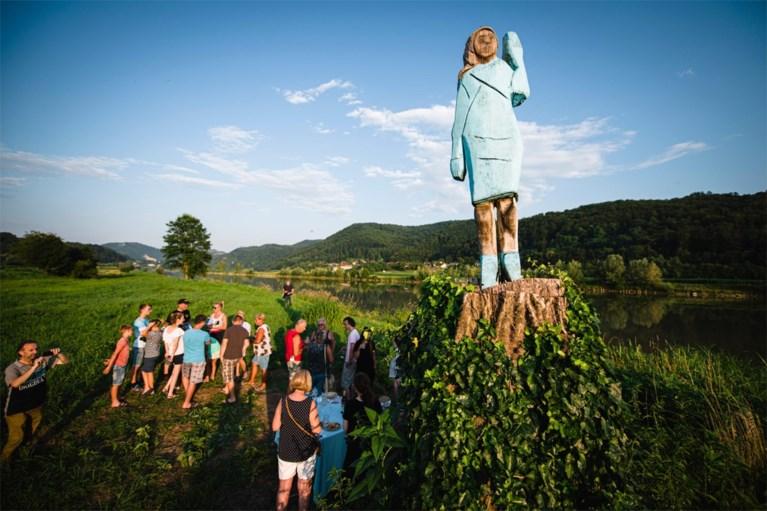 Na Melania krijgt nu ook Donald Trump een (lelijk) standbeeld in Slovenië