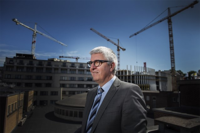 """VBO-topman pleit voor federale doorstartregering: """"Crisismanager nodig"""""""