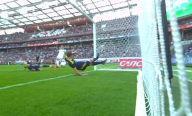 Russische verdediger toont Kalidou Koulibaly hoe het wél moet en pakt uit met onwaarschijnlijke dubbele redding