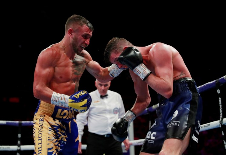 Vasyl Lomachenko verovert WBC-titel bij lichtgewichten