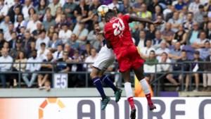 Moest Anderlecht geen strafschop hebben gekregen voor deze overtreding op Gerkens?