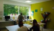 UZ Brussel breidt ziekenhuisschool uit: drie extra vakleerkrachten voor zieke kinderen