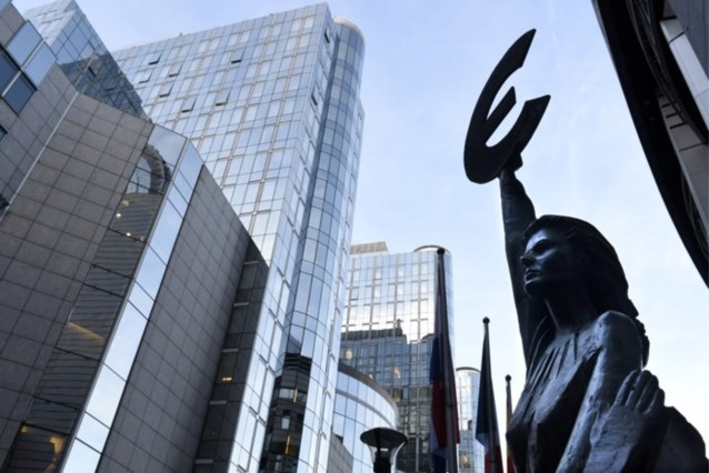 "SP.A wil commissiezitting over ""ontsporende begroting"""