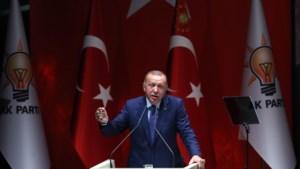 """Erdogan dreigt met """"opening poorten"""" naar Europa voor Syrische vluchtelingen"""