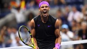 """US OPEN. Rafael Nadal laat geen set liggen ondanks """"lastige"""" wedstrijd, ook Berrettini naar halve finales na slijtageslag"""
