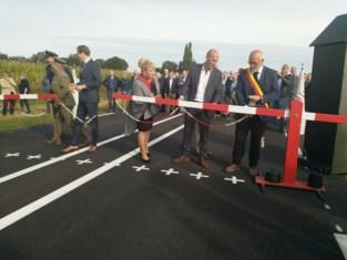 Baarle opent randweg op ludieke wijze