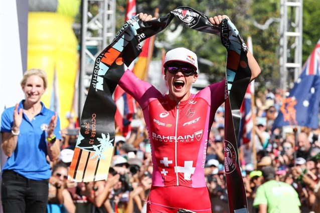 Triatlonfenomeen Daniela Ryf breekt record met vijfde wereldtitel Ironman 70.3