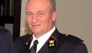 De brandweercommandant was al niet geliefd, en toen liet hij zijn zwembad illegaal vullen door zijn eigen korps