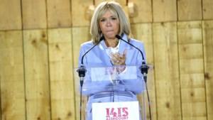 """Dochter pikt het niet dat Brigitte Macron lelijk genoemd wordt: """"Bestaat zoiets nog? Word wakker"""""""