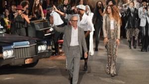 Tommy Hilfiger maakt er een feestje in seventies stijl van op de catwalk