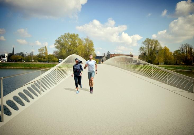 Ze zeilde als eerste vrouw de wereld rond, nu krijgt Annie van haar stad een brug