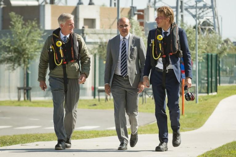 Koning Filip bezoekt eerste stopcontact op Noordzee