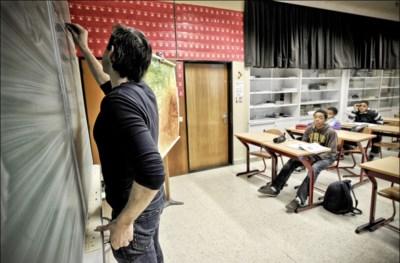 """Expert: """"Lerarentekort? Laat leerkrachten meer uren voor de klas staan"""""""