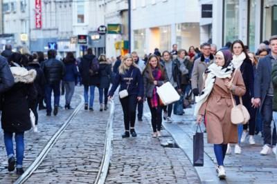 Elke maand 9.000 gebruikers, maar blijven bus en tram gratis op koopzondag?