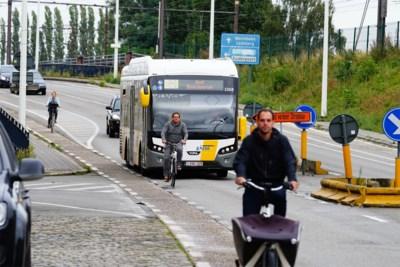 Zes jaar geleden al verkozen tot 'slechtste fietspad van Gent', maar toch nog 2,5 jaar wachten op oplossing voor deze schandplek