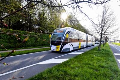 Nog niet vertrokken en nu al vertraging: nieuwe trambus rijdt pas vanaf december richting luchthaven