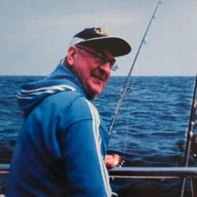 """Sportvisser sterft na val in water, familie trekt naar rechter: """"Hoe kon dit in godsnaam gebeuren?"""""""