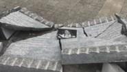 Vrachtwagen rijdt herdenkingsmonument voor slachtoffer 22 maart in stukken