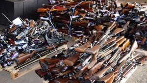 Meer dan 638 wapens in beslag genomen bij huiszoekingen in heel België: 51 mensen opgepakt