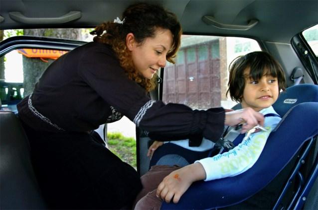 """""""Ontstellende vaststelling"""": ondanks verplichting hoeven heel wat kinderen geen gordel te dragen van ouders"""