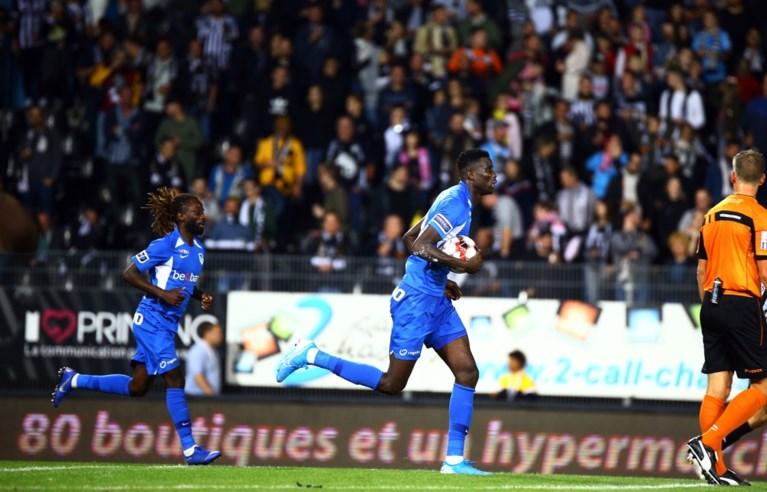 Slappe start en omstreden strafschop bezorgen Racing Genk zure nederlaag bij Charleroi