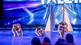 The Gym Sisters tonen hun turnkunstjes