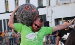 Tjörven (35) hief 290 kilogram op en mag zich nu de 'Sterkste Man der Kempen' noemen… maar hij komt wel uit Lint