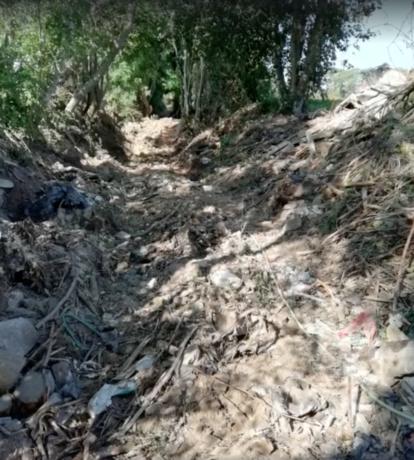 Zevenhonderd ton afval in twee holle wegen