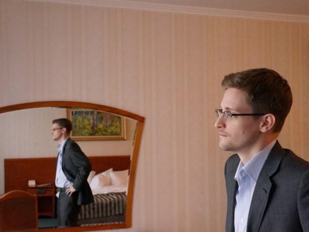 """Edward Snowden bereid om terug te keren naar VS als hij een """"eerlijk proces"""" krijgt"""