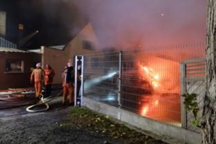 Inferno onder carport veroorzaakt door… branddetectiesysteem