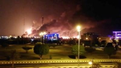 Game of drones: vier landen spelen gevaarlijk spel na aanval op grootste olieraffinaderij ter wereld