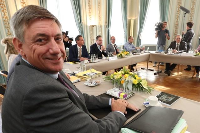 """Formateur Jan Jambon schakelt versnelling hoger voor Vlaamse regeringsonderhandelingen: """"Je kunt eindeloos blijven praten"""""""