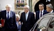Johnson wordt uitgejouwd en stuurt kat naar persconferentie, waar hij vernederd wordt door Luxemburgse premier
