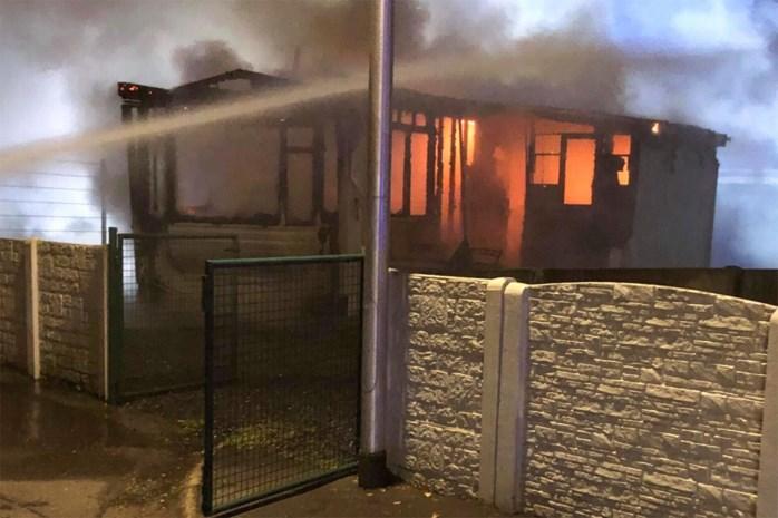 Stacaravan brandt volledig uit in Genk