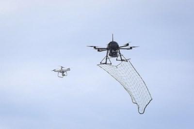 Antwerpse politie wil gevaarlijke drones uit de lucht plukken met... een net