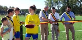 VK Holsbeek huldigt eerste kunstgrasveld in